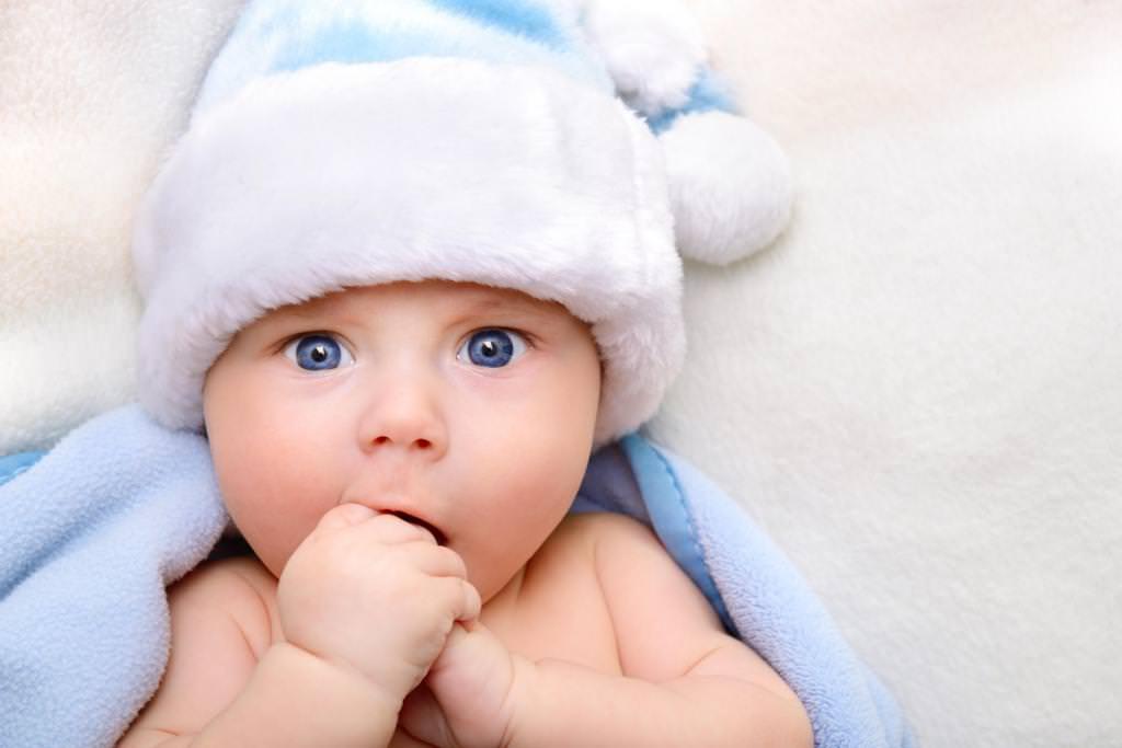 Що потрібно дитині в перший місяць життя?