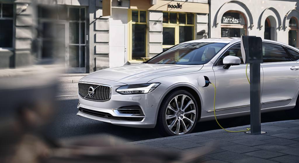Автомобіль Volvo V40 Cross Country: фото, технічні характеристики