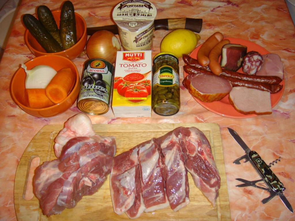 Суп солянка збірна мясна: класичний рецепт з фото