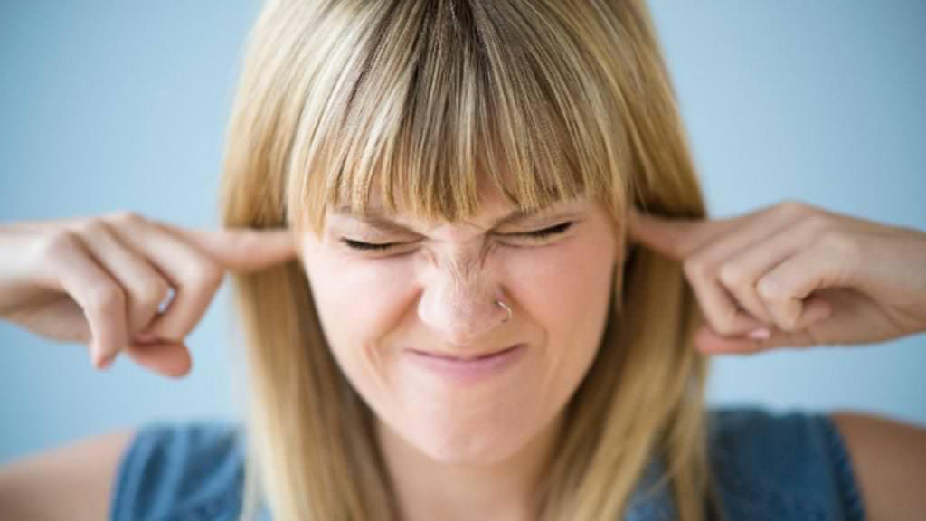 Дзвін у вухах: причини і лікування