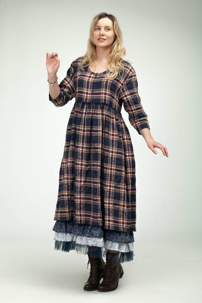 Сукні із завищеною талією для повних жінок