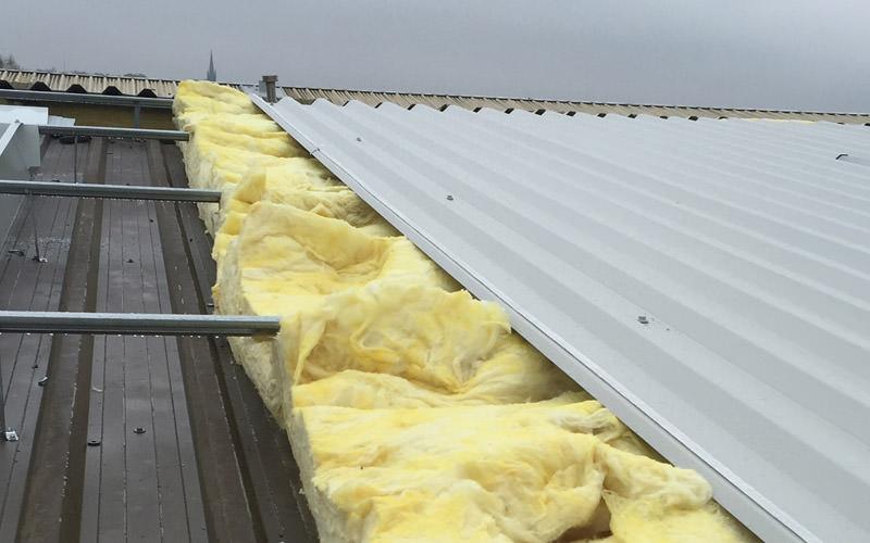Як вибрати профнастил для даху: поради та відгуки про виробників