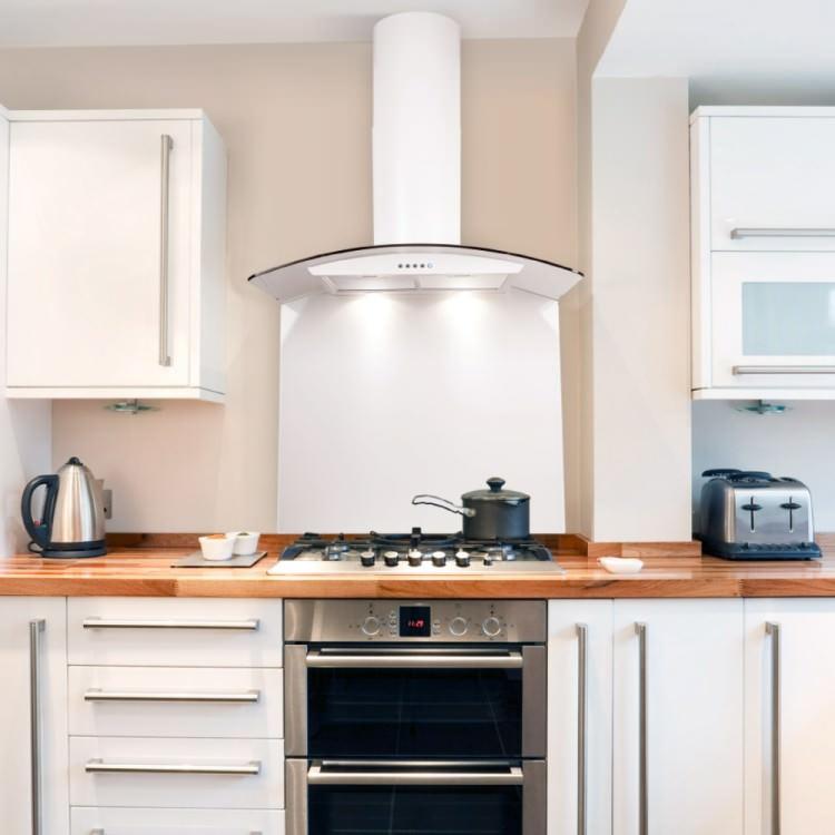Установка витяжки на кухні за правилами: поетапна інструкція та вимоги