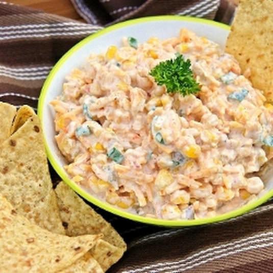 Смачний салат з Кириешки і кукурудзою