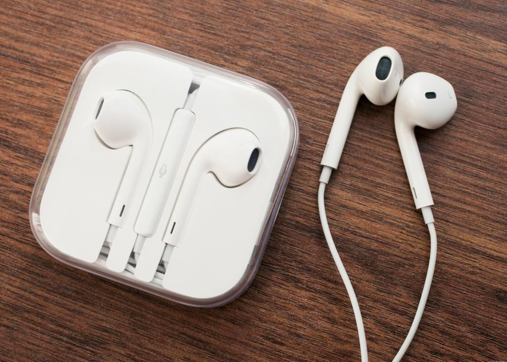 Шкода навушників для слуху і мозку людини. Практичні поради з вибору